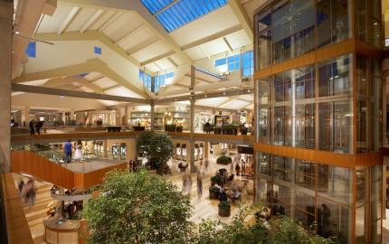 Bellevue_Square_Mall_Interior