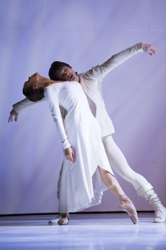 Noelani Pantastico and James Moore in PNB's Roméo et Juliette. Photo by Angela Sterling.