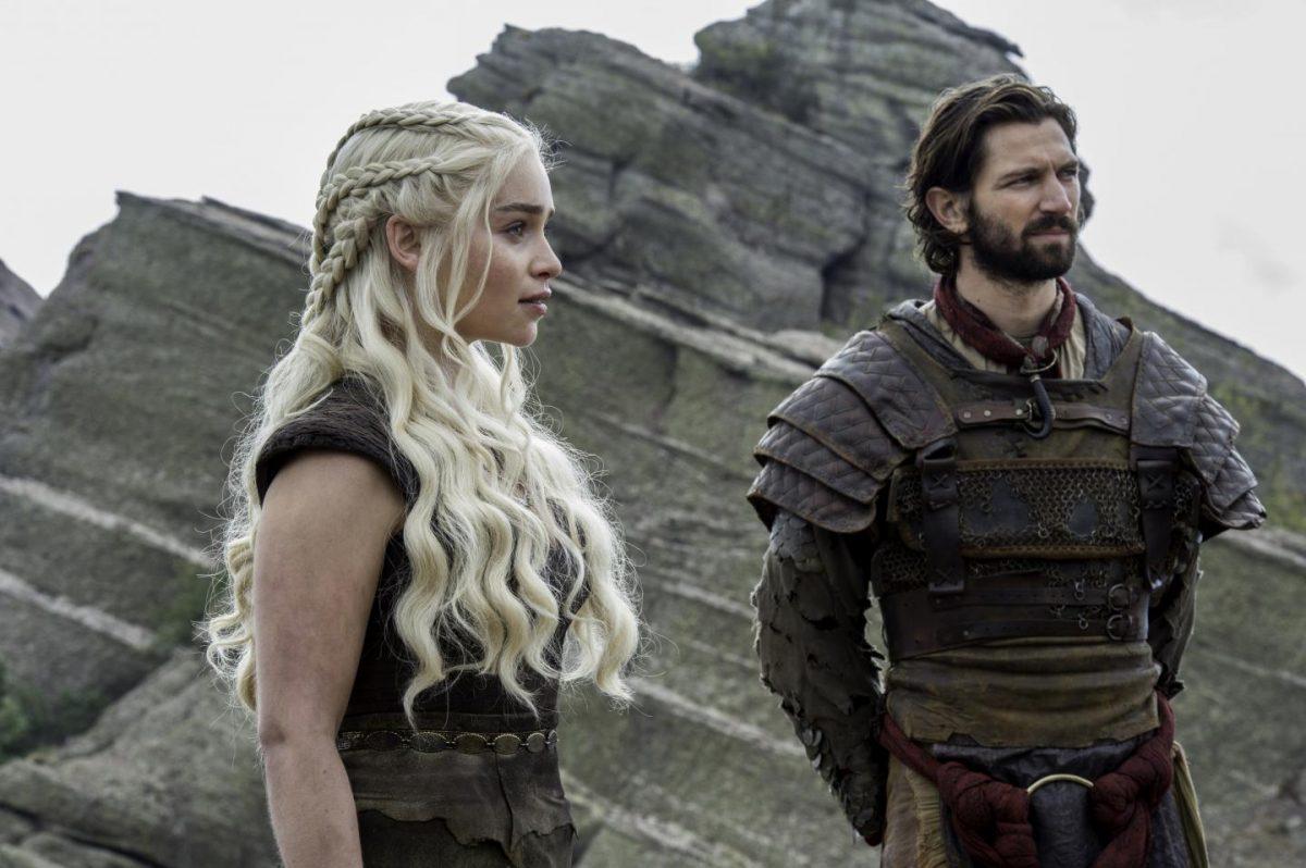Daenerys Targaryen and Daario Naharis see Jorah Marmont off